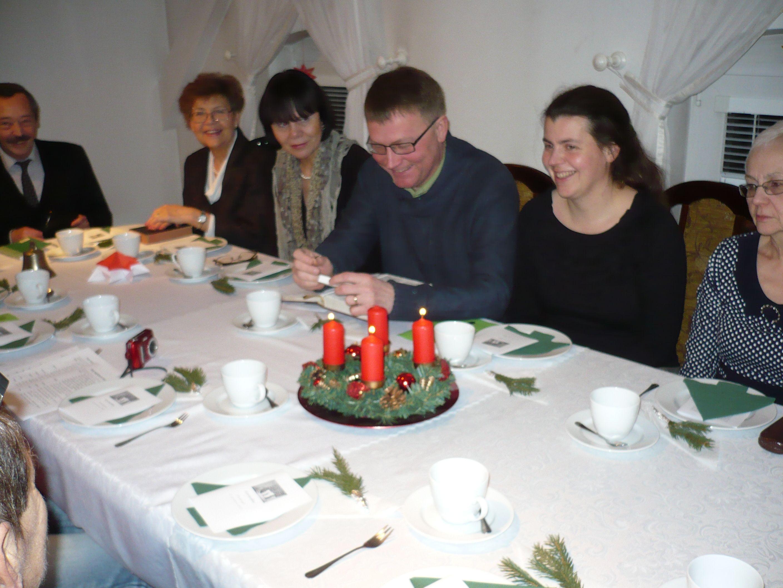 Przy-parafialnym-stole-1