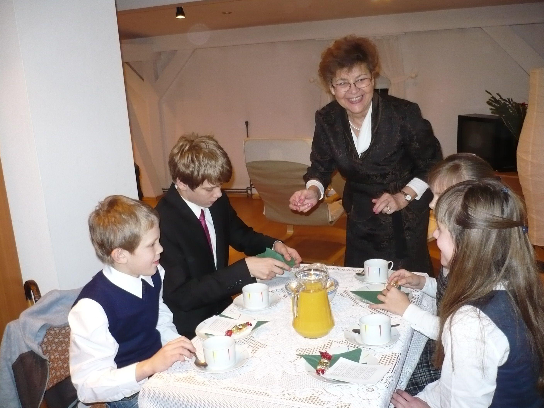 Przy-parafialnym-stole-3